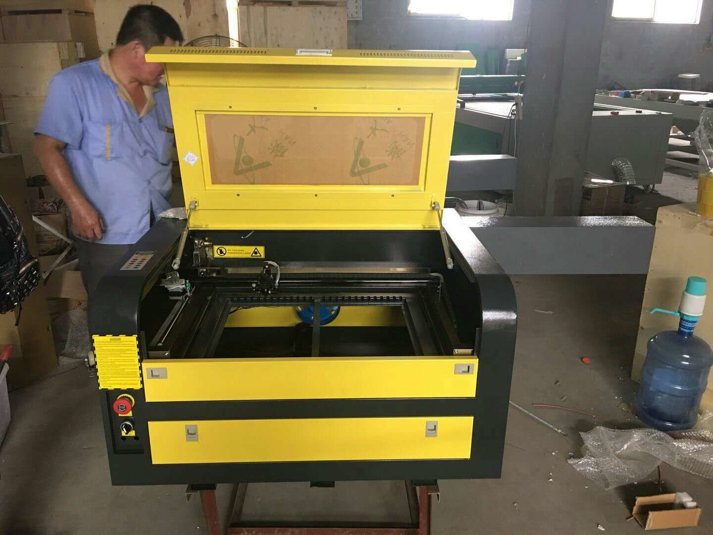 Desktop Laser Engraving Machine 400x600mm Working Area For Wood / Acrylic